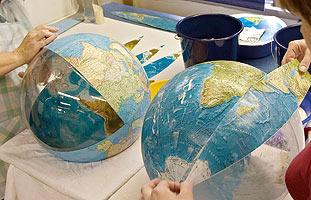 kaschierte Globen